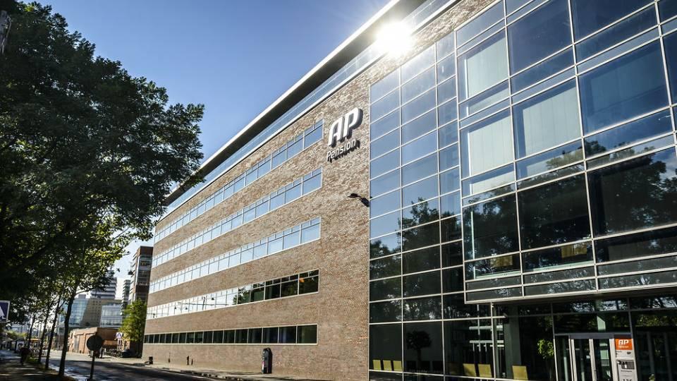 Pensionsselskaber satser milliarder på ejendomme - TV 2