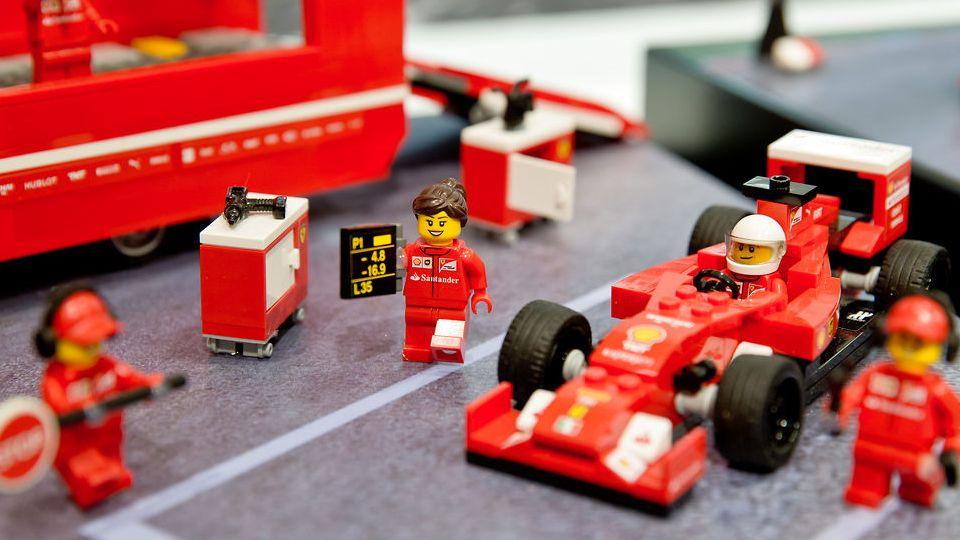 Brend Ferrari Poteryal Liderstvo V Rejtinge Torgovyh Marok Formula 1