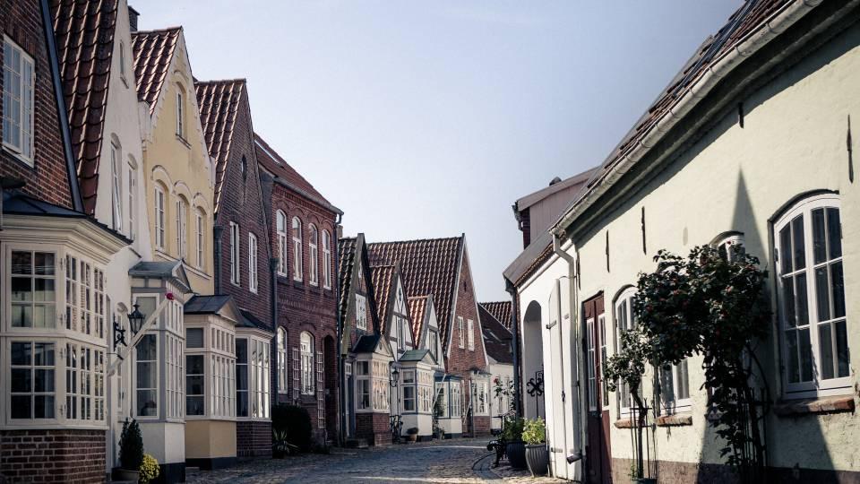 Dansk by kan få tosprogede vejskilte - TV 2