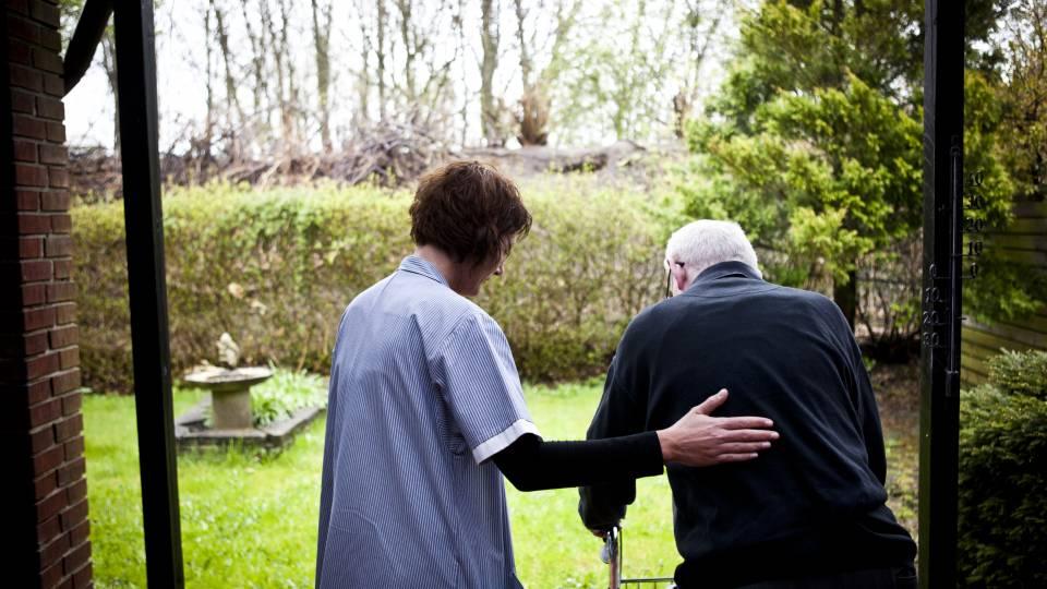 Dårlig bemanding på plejehjem farlig for borgere og ansatte