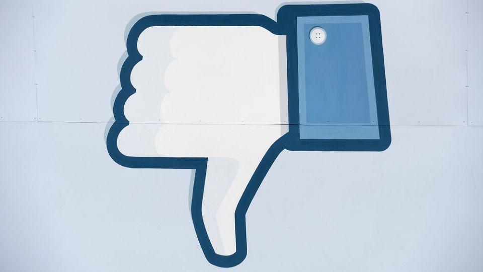 nyheder samfund nu kan du stalke dine facebook venner