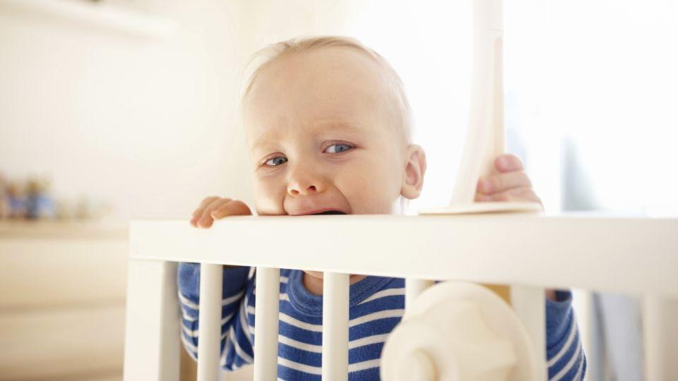 barn 1 år vågner mange gange om natten