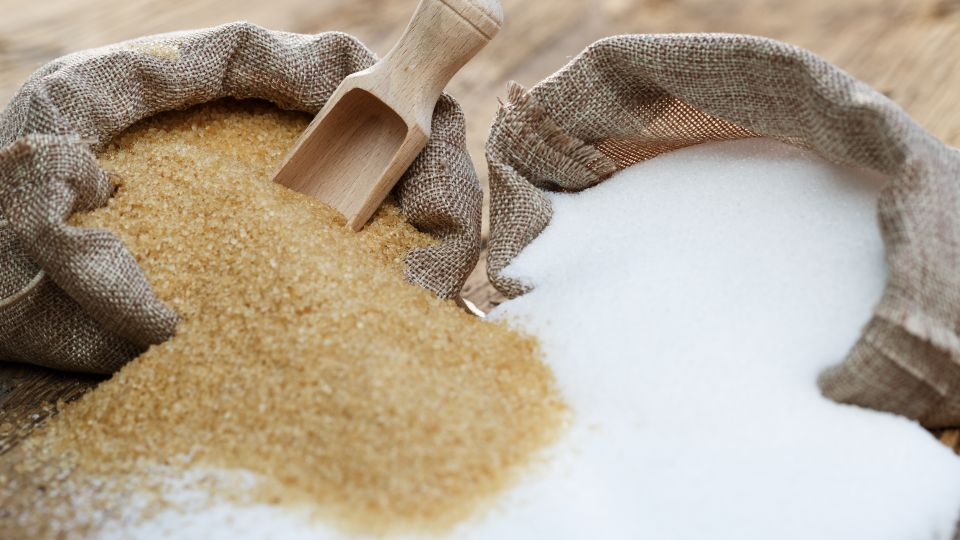 hvordan bliver roer til sukker