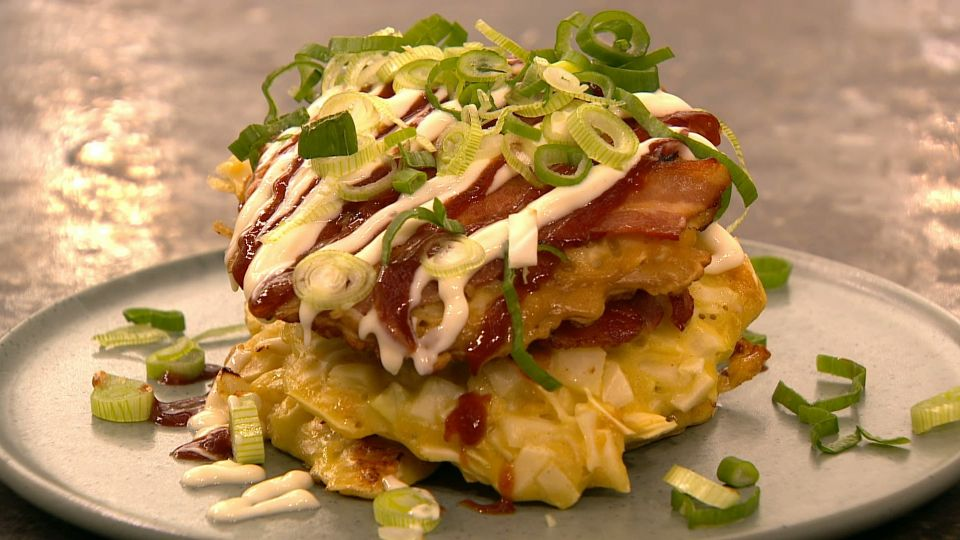 Okonomiyaki Med Bacon Og Kål Japansk Pandekage Tv 2