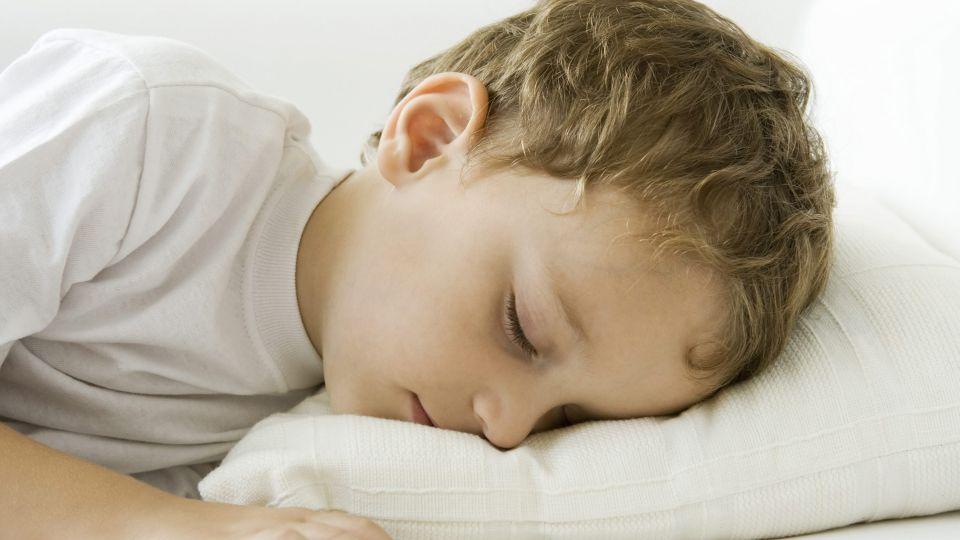 Nybagt storebror vil ikke sove - TV 2