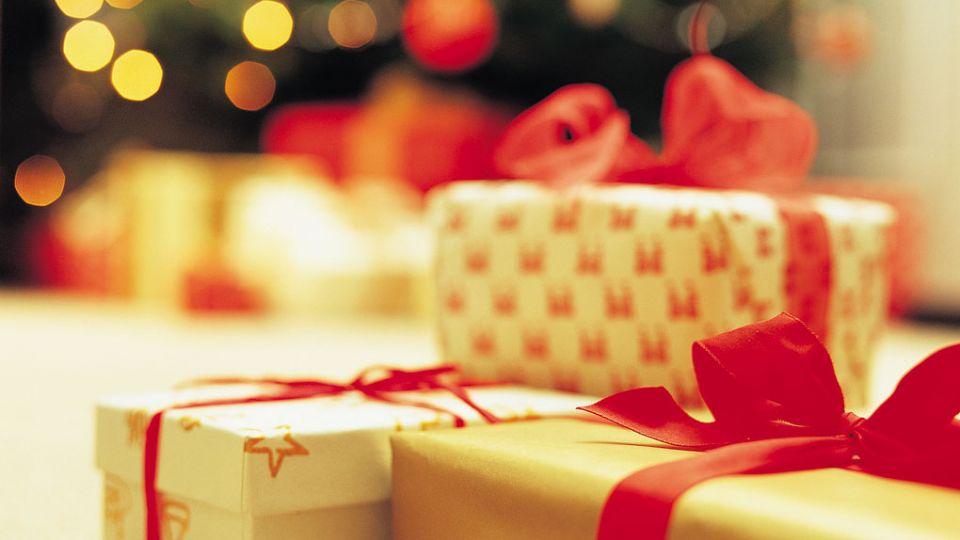 Vi får julegaver for 1230 kr. - TV 2